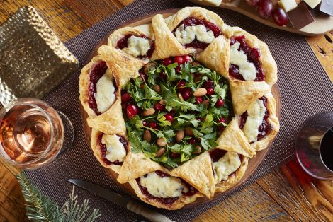 Puff Pastry Cheese Wreath